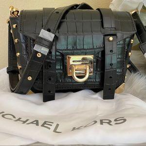 New Michael Kors Manhattan small messager bag
